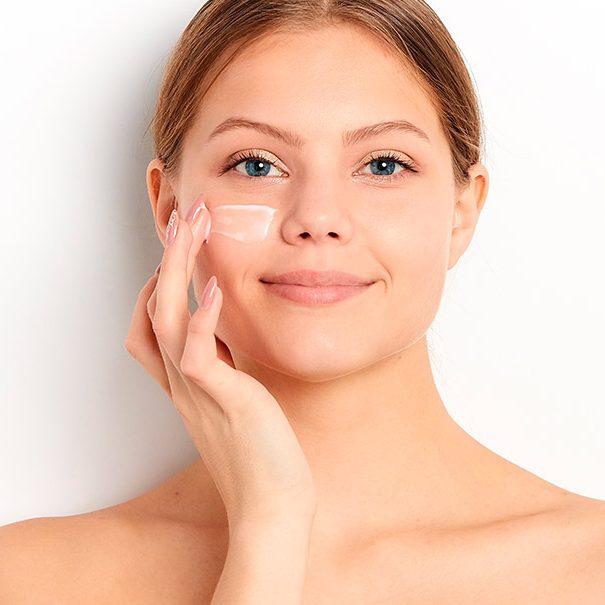 Уход за сухой и чувствительной кожей лица